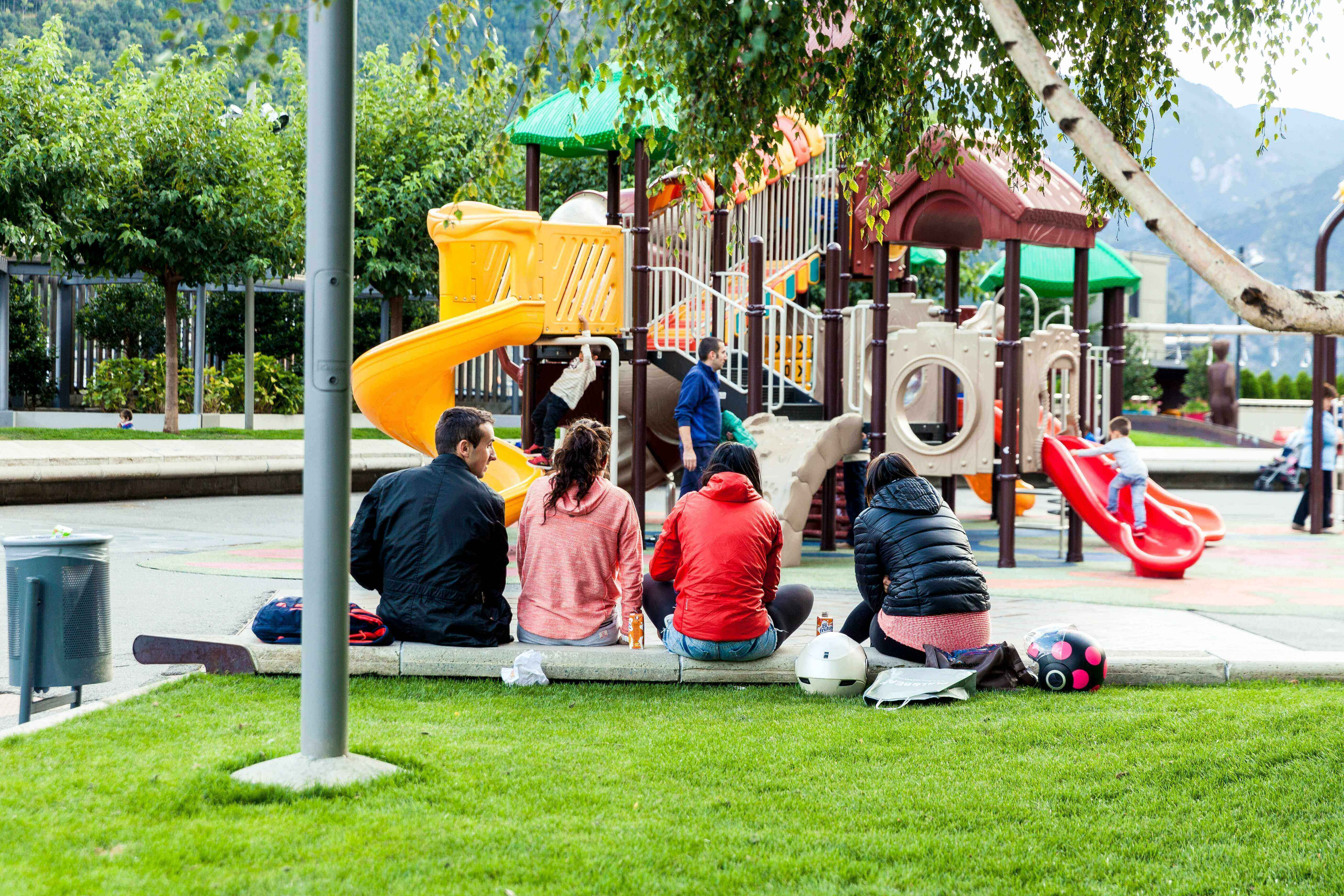 children at a park, activities for last days of summer
